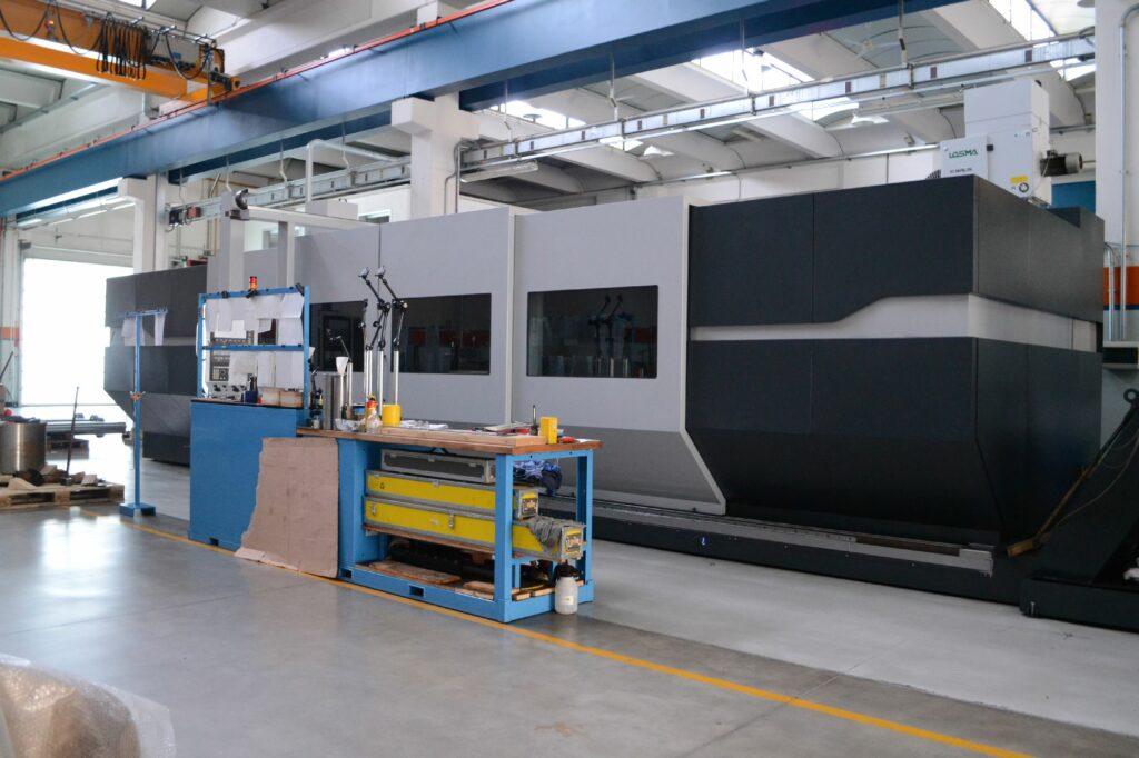 Tornio CNC mod. TRA 750 x 6000